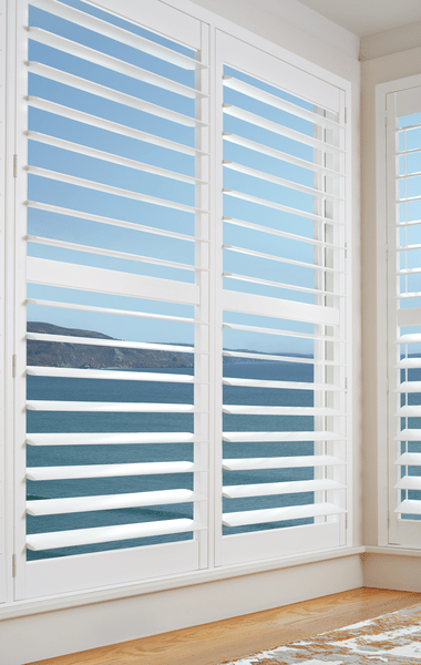 Top 5 Reasons To Consider Wood Plantation Shutters